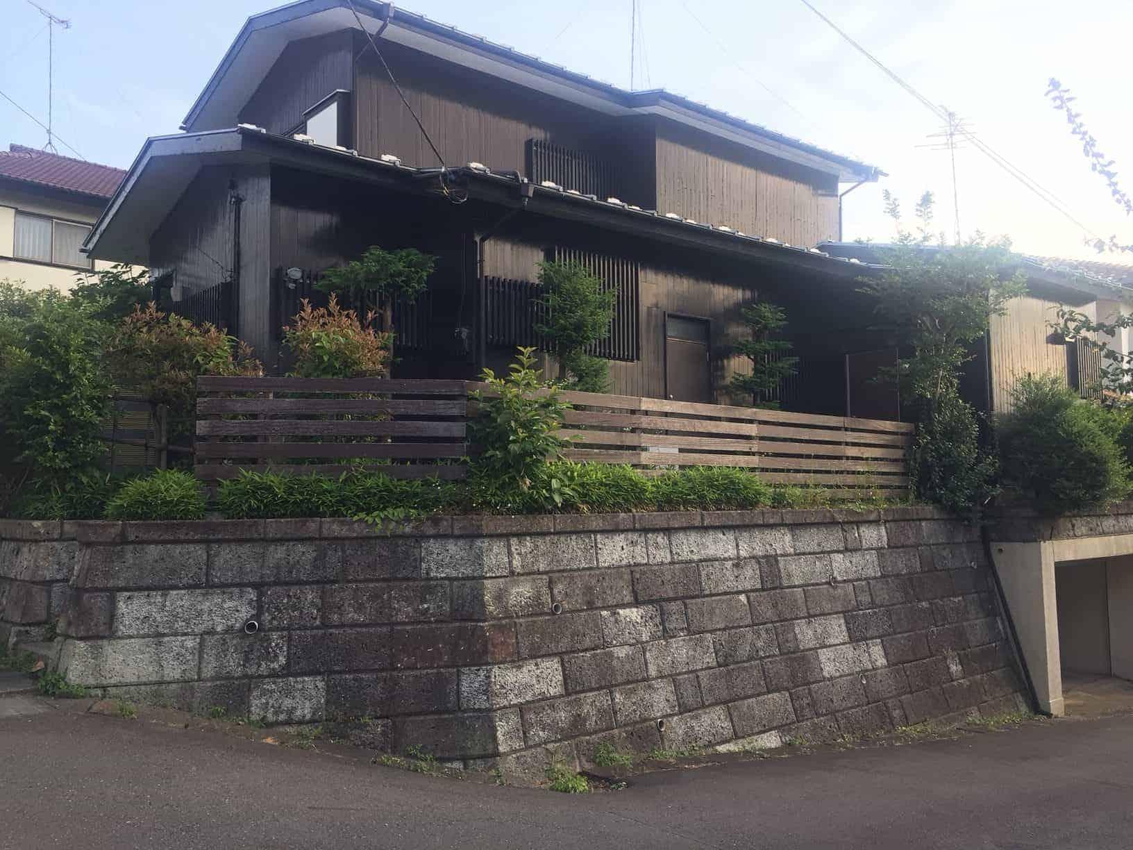 Machida city, Tsukushino Stn. 6 min.